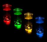 Blinkende LED Shooter Schnapsgläser - 12 Stück